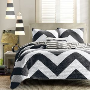 Divano-Roma-4-Piece-Zig-Zag-Reversible-Chevron-Bedspread-Coverlet-with-Matching-Shams-and-Cushion-Pillow-Queen