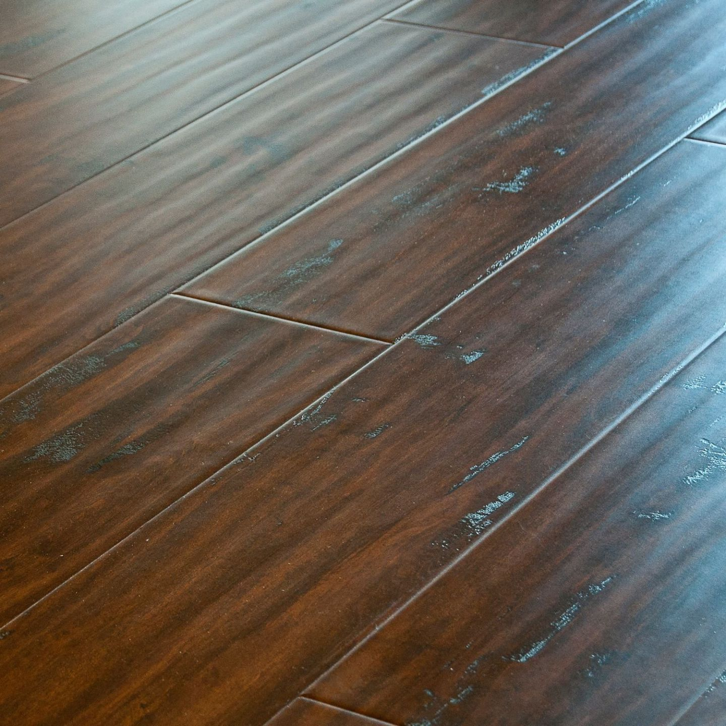 Laminate flooring brand for home more stylish and elegant for Flooring surfaces