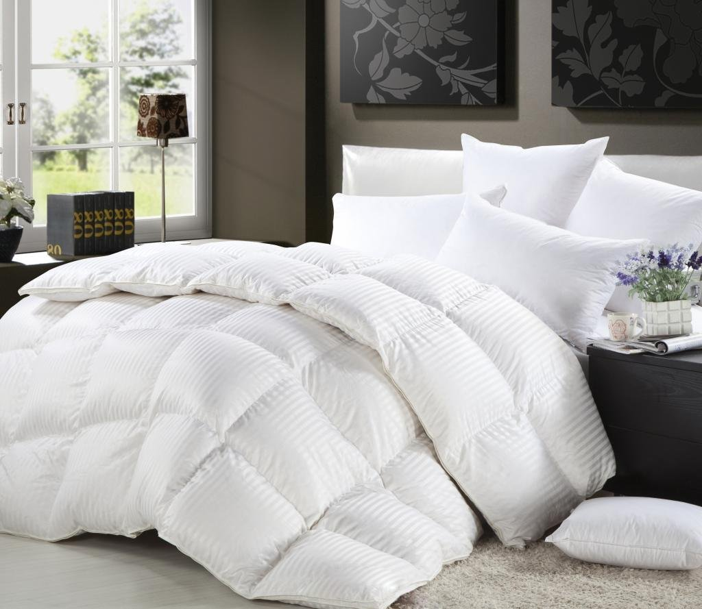 Grandeur Linen's California (Cal) King Size Luxurious 800 Thread Count Siberian GOOSE DOWN Comforter, 100% Egyptian Cotton Cover, Damask Stripe White Color, 750 Fill Power, 50 Oz Fill Weight