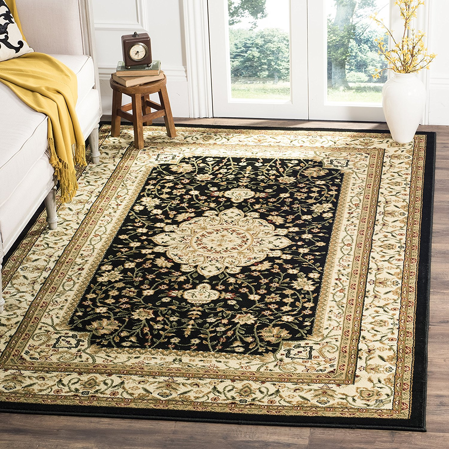 Safavieh Lyndhurst Collection LNH213A Traditional Oriental Medallion Black and Ivory Square Area Rug (8' Square)